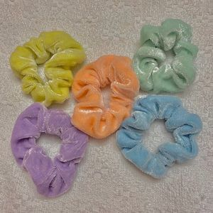 5pc Pastel Velvet Scrunchie Set